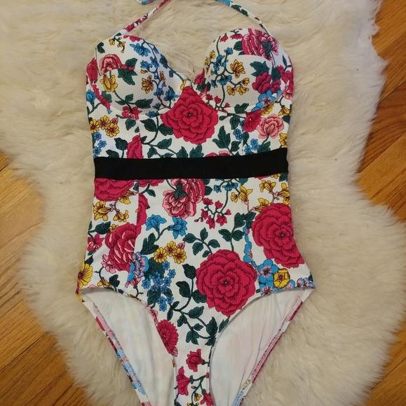 5da7994780 Topshop floral one piece bathing suit. M 5ac3b4c75521be8318d5c91a